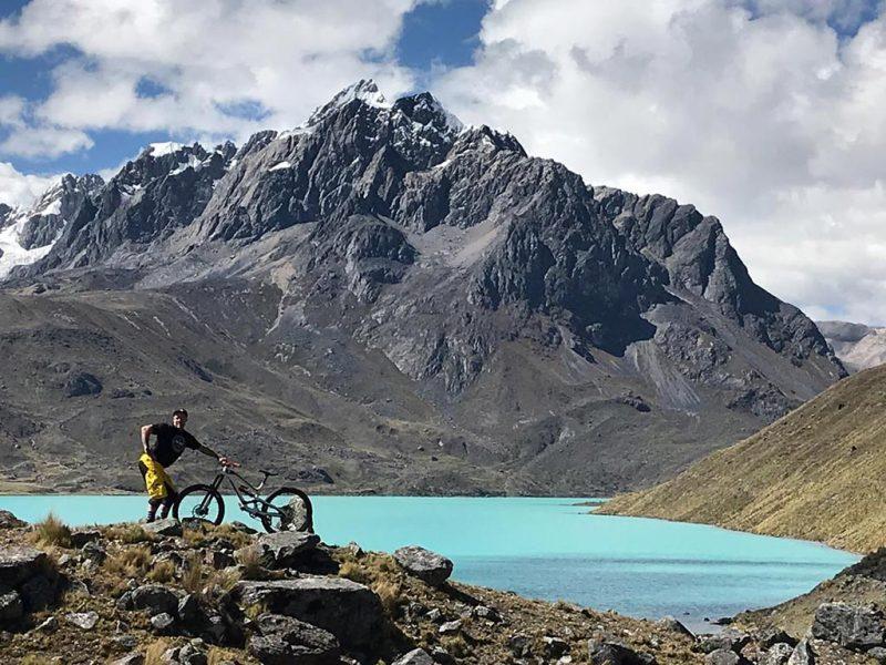 Glacial Lake ausangate mtb trip peru